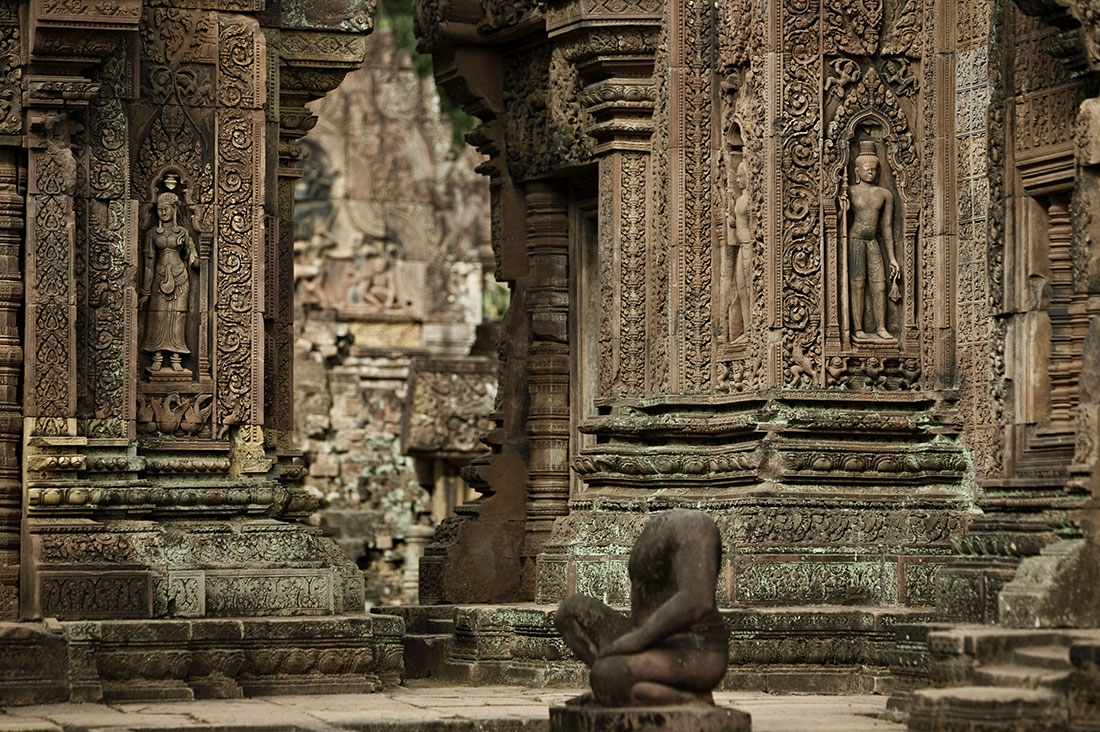 The amazing bas-relief friezes of Banteay Srey