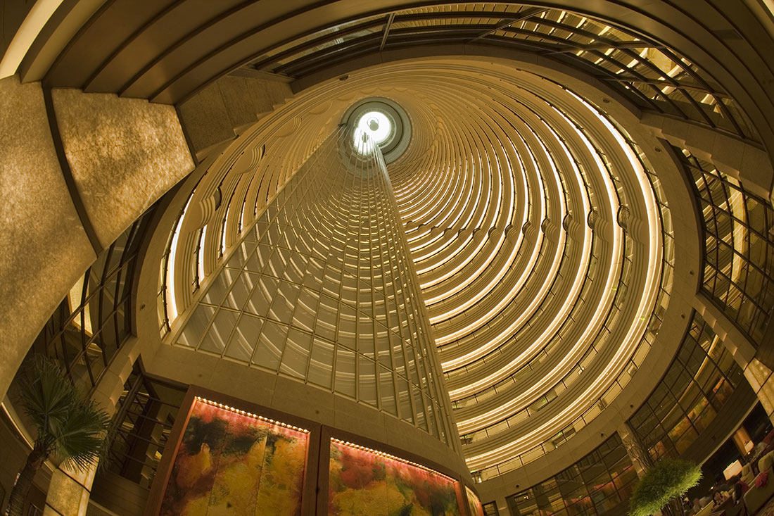 the grand hyatt in the jin mao tower