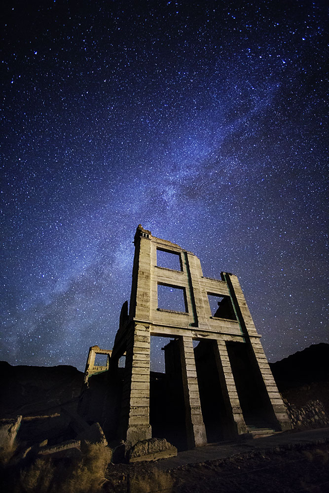 The milky way over Rhyolite ghost town