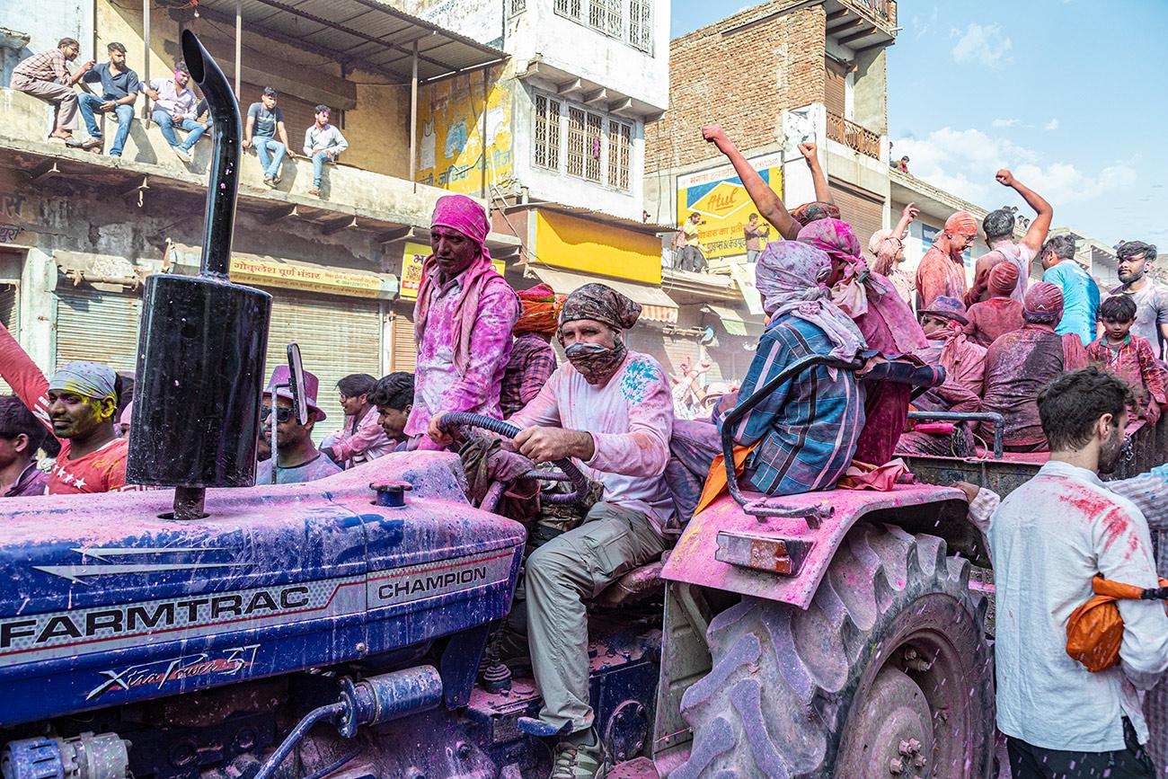 India_workshop_2019_holi_festival_218