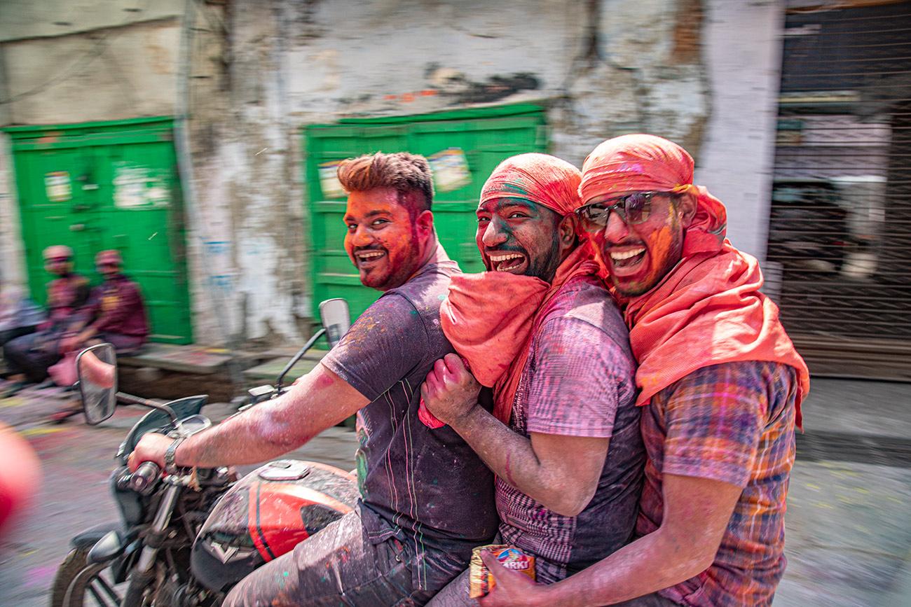India_workshop_2019_holi_festival_246