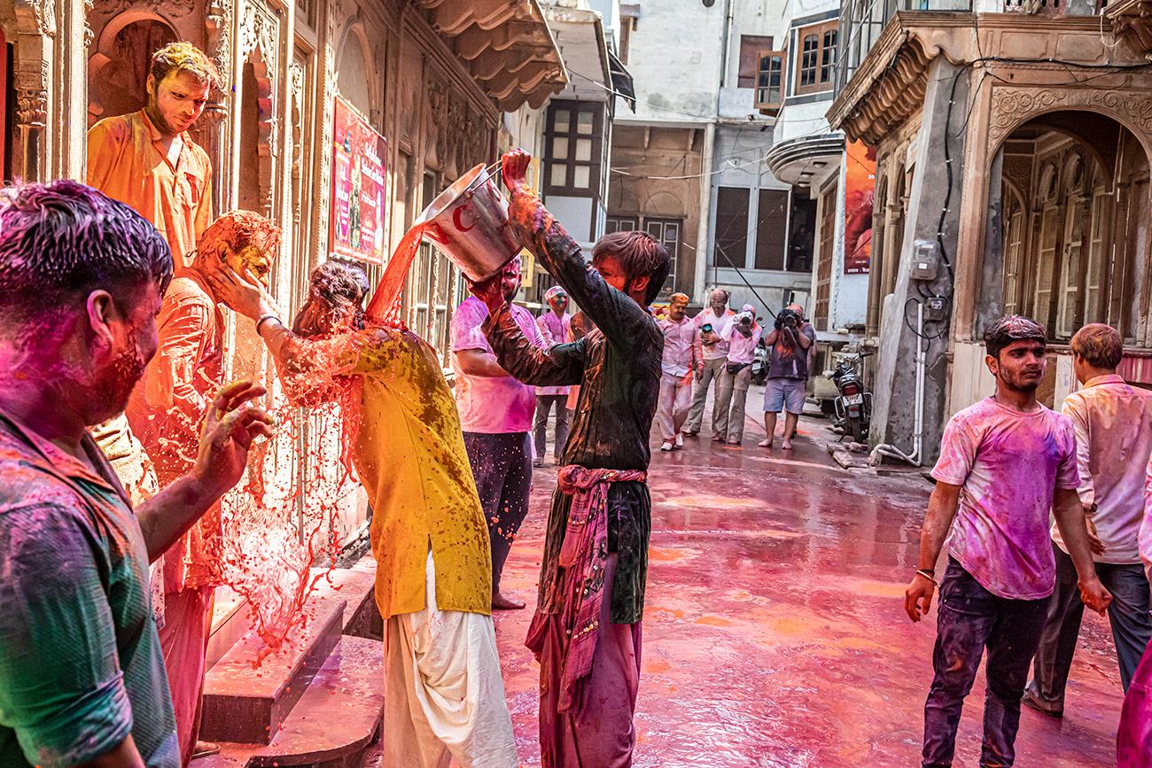 India_workshop_2019_holi_festival_256