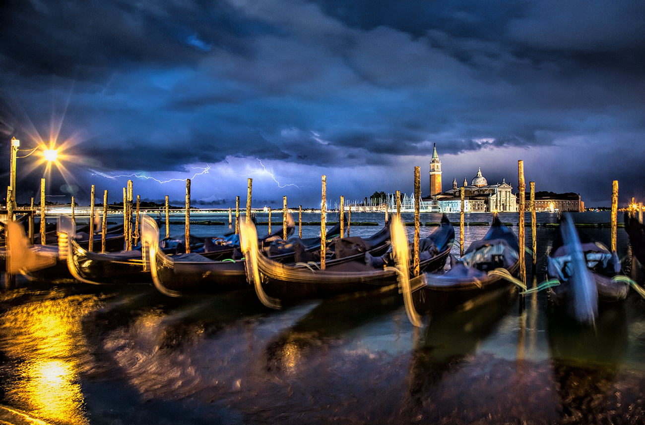 Lightning over the gondolas in Venezia