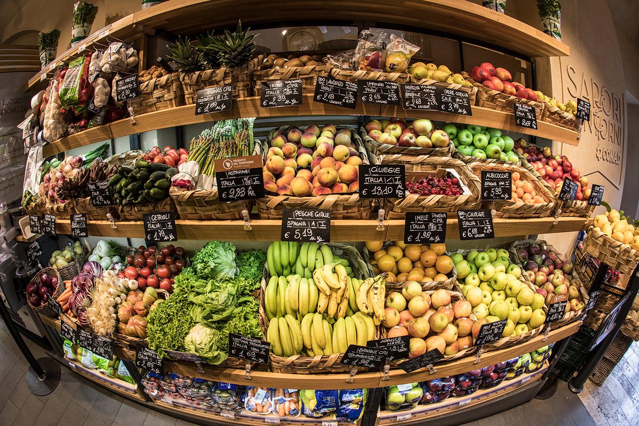 Amazing market in Siena, Italy