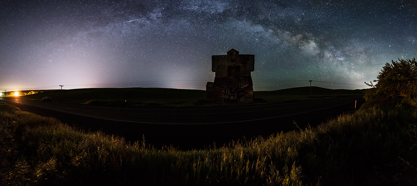 The Milky Way above the Monster grain elevator