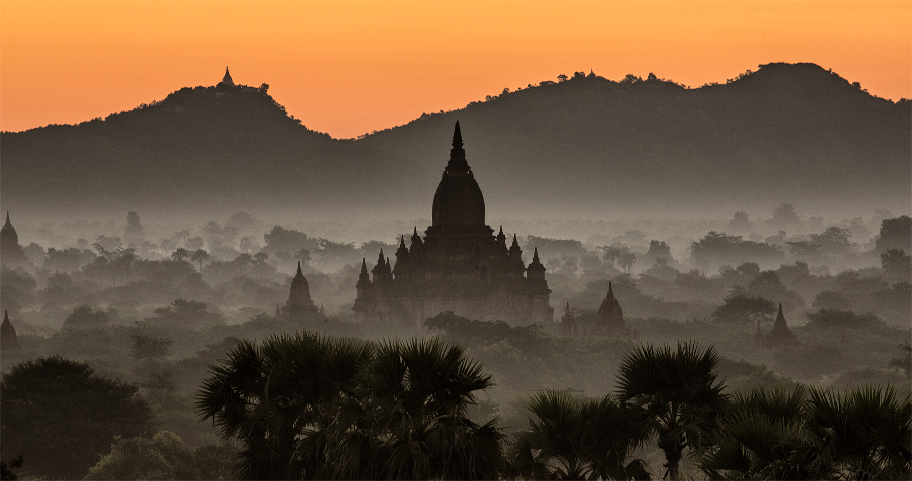 bagan_burma_myanmar_sunrise_temples_intro
