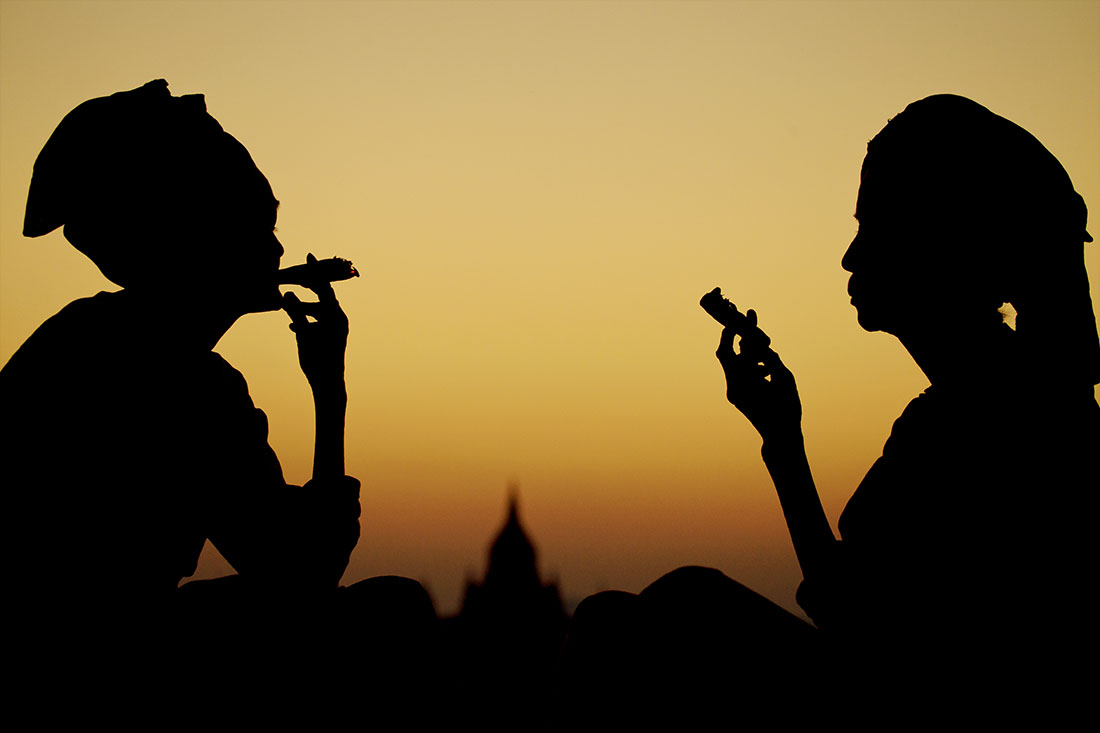Sunset with the ladies in Bagan