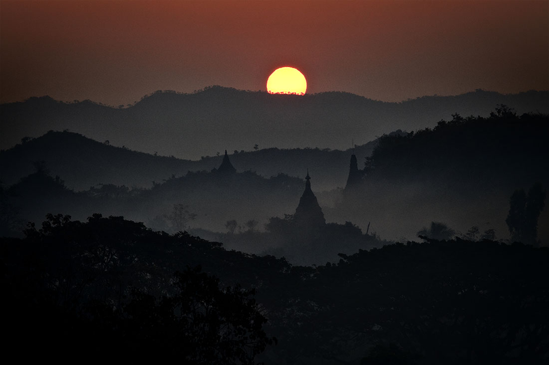 Sunrise in Mrauk