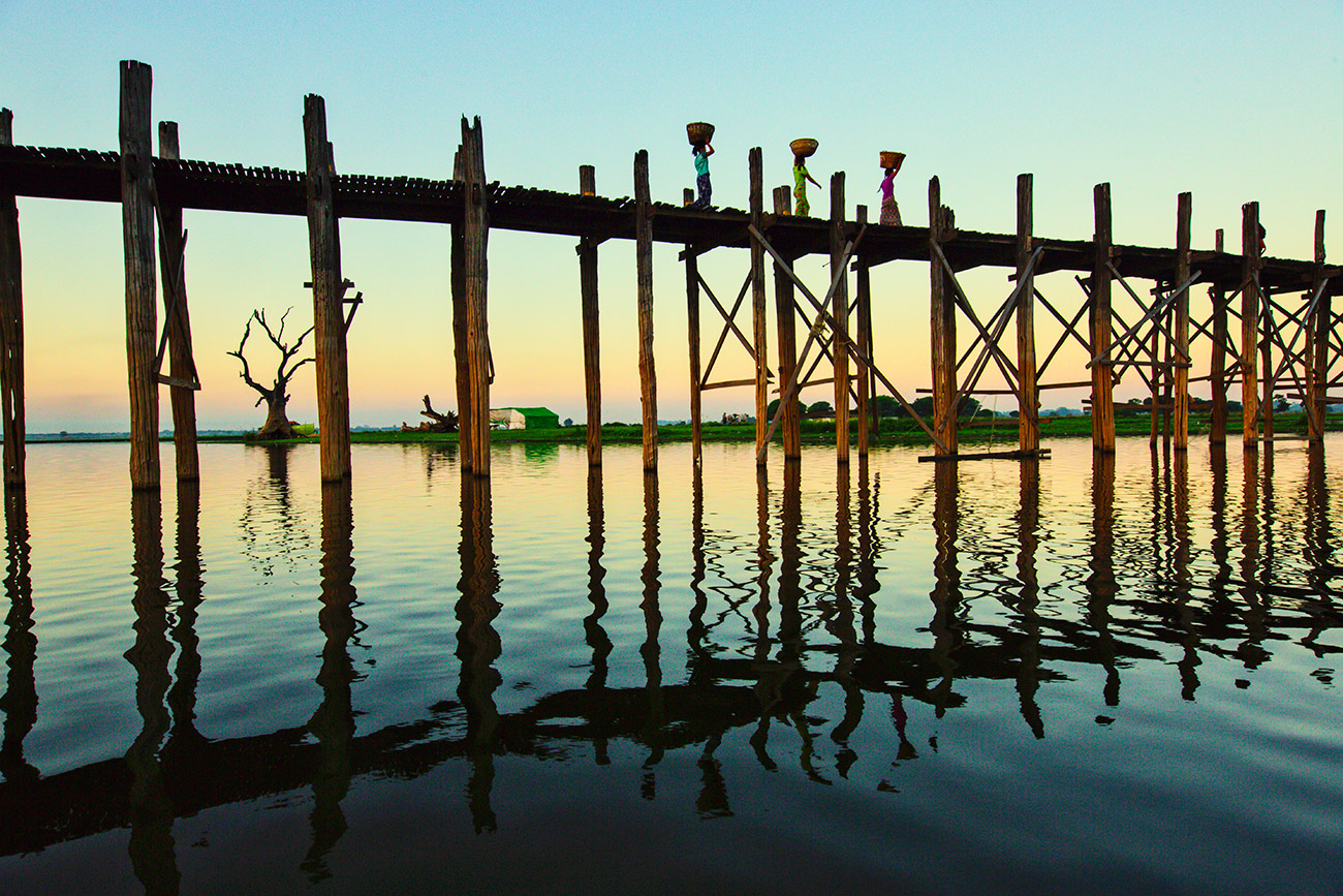 The amazing Ubein Bridge of Mandalay in Burma
