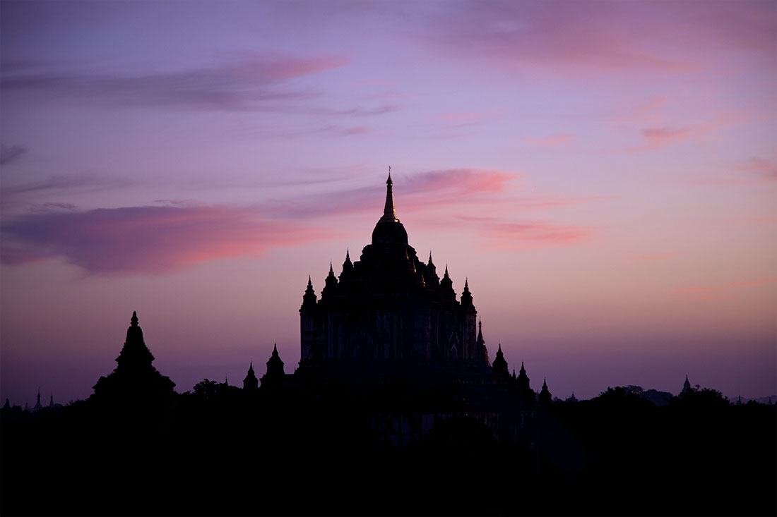 Sunrise in the temples of Bagan
