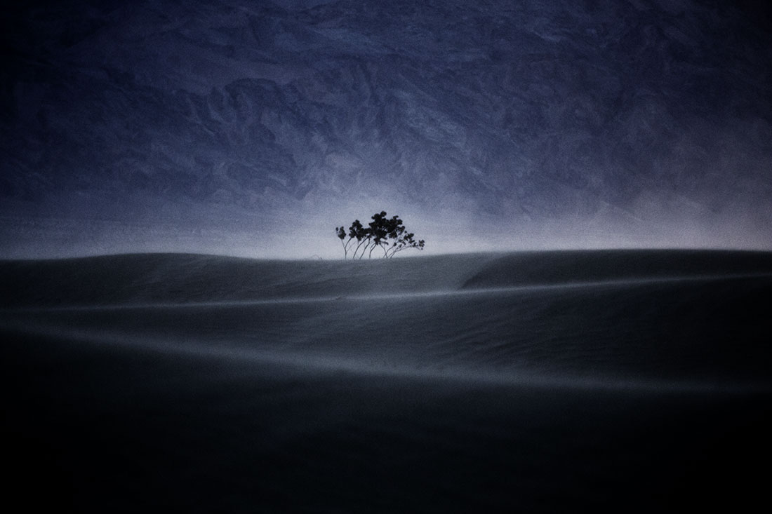 The howling wind at the Mesquite sand dunes