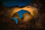 double_arch_night_sky_arches