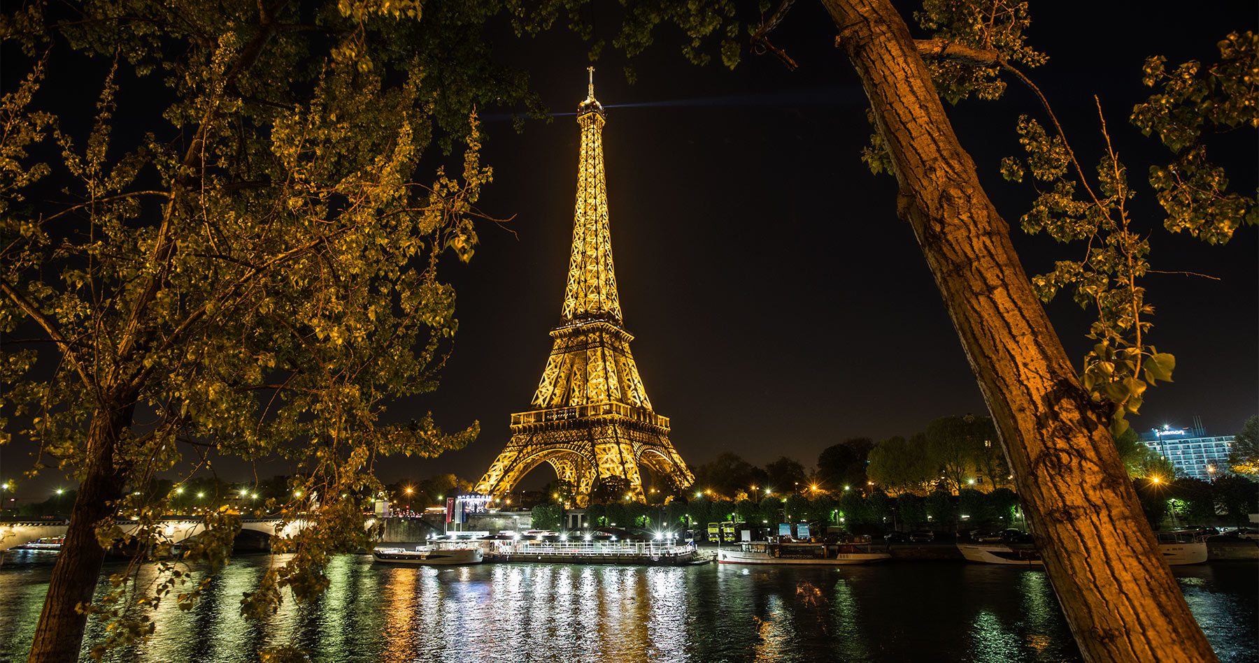 eiffel_tower_night_2