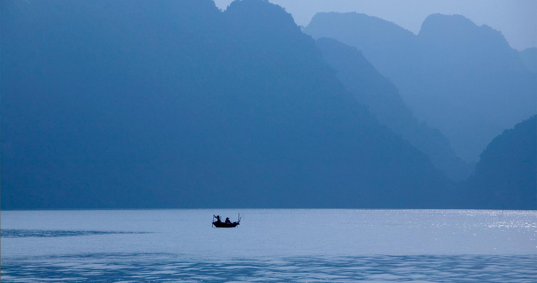 halong_bay_boat