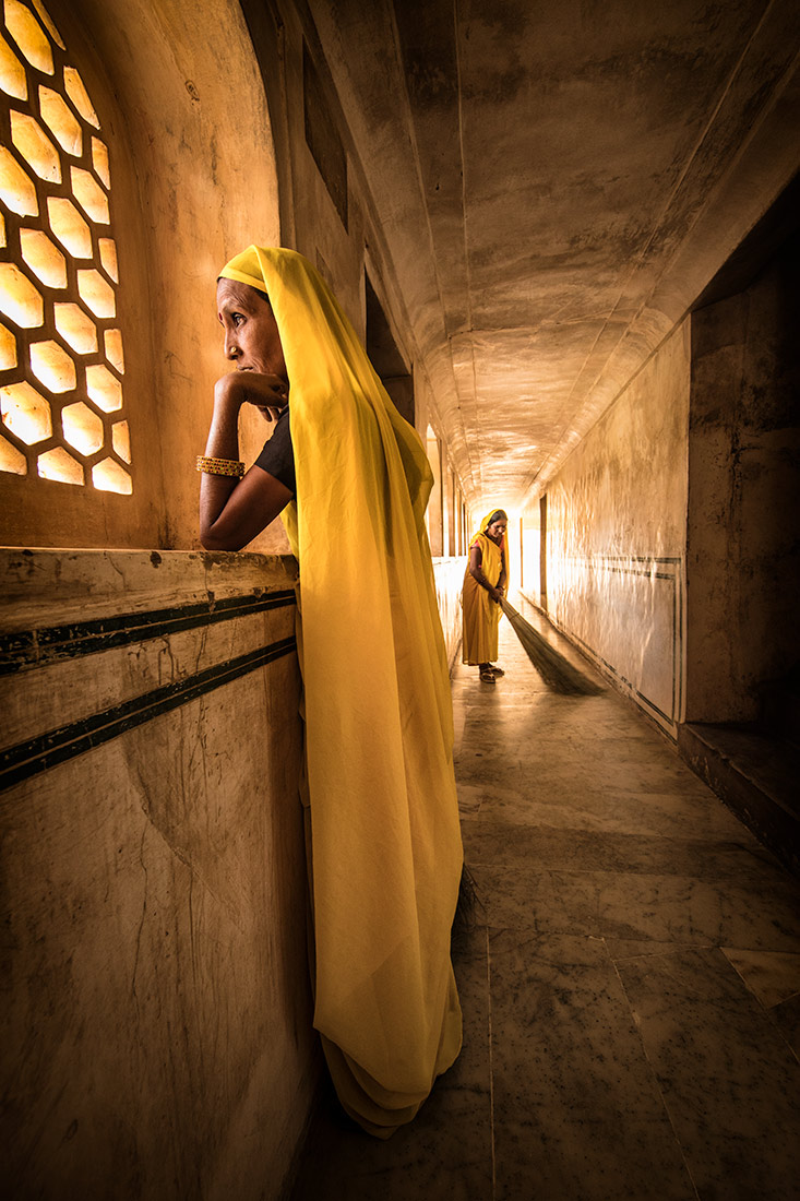 The Yellow sweepers of Amber Fort, Jaipur
