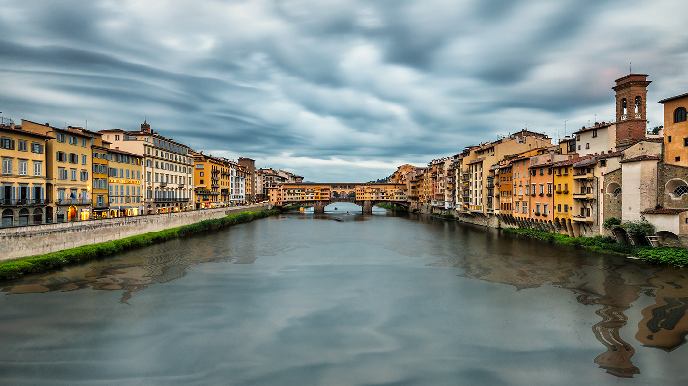 The beauitful Pontevecchio Bridge in Florence