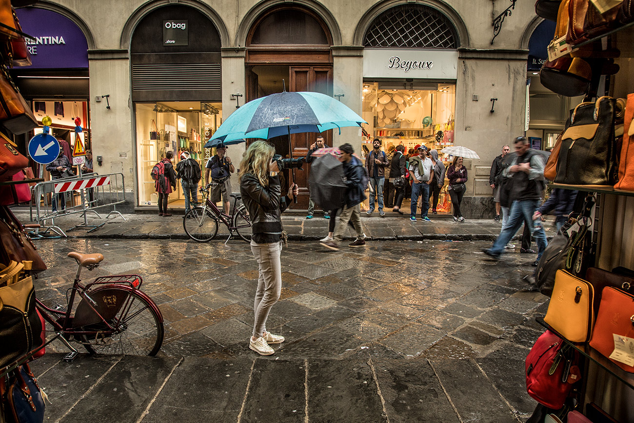 Holly shooting in the rain in Florence