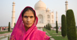 lady_in_red_taj_mahal_2