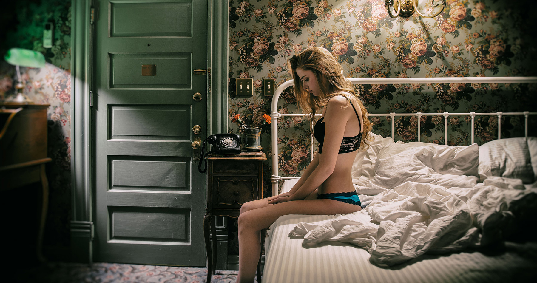 leah_conner_hotel_bed_lingerie