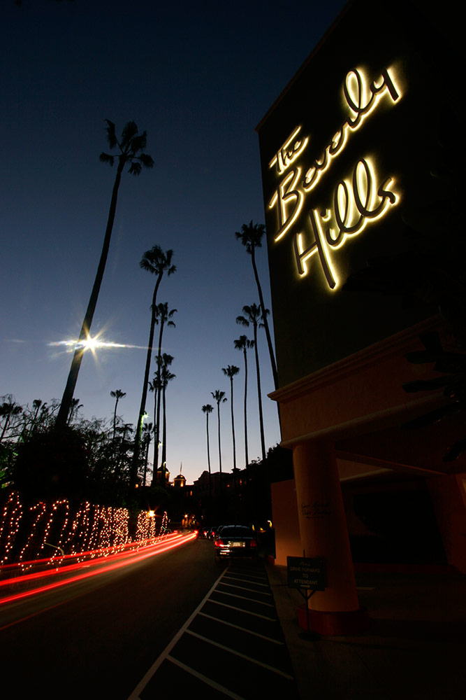 Th Beverly Hills Hotel after dark