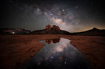 milky_way_over_sedona_red_rock_cathedral_beauty