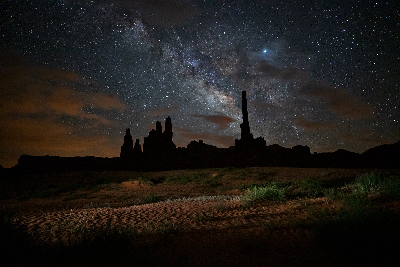 Milky Way over Totem Pole in Monument Valley