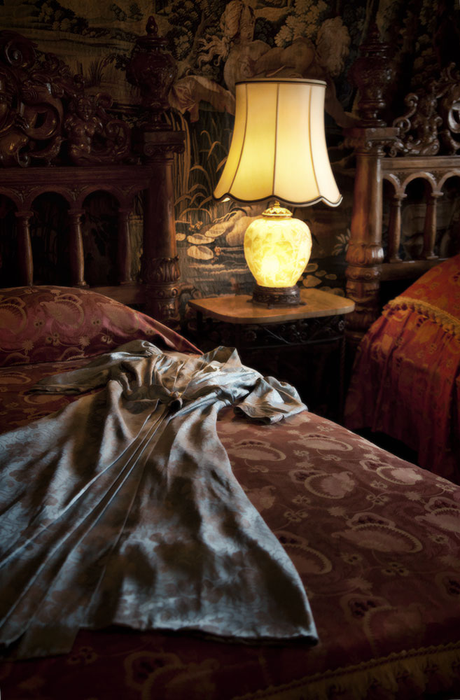 The amazing bedrooms of the Hearst Castle
