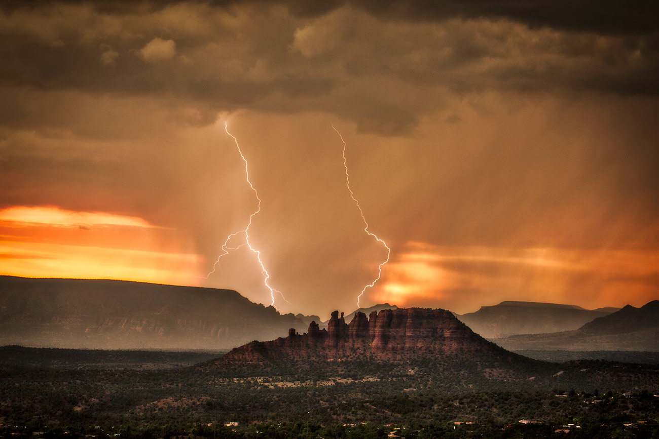 orange_sunset_lightning_sedona