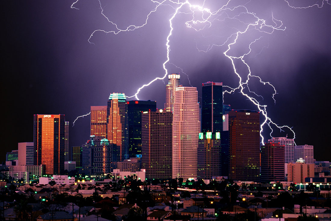 lightning above los angeles