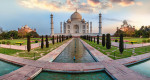 Sunrise panorama of the Taj Mahal