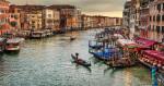 venice_italy_grand_canal_gondolas_intro