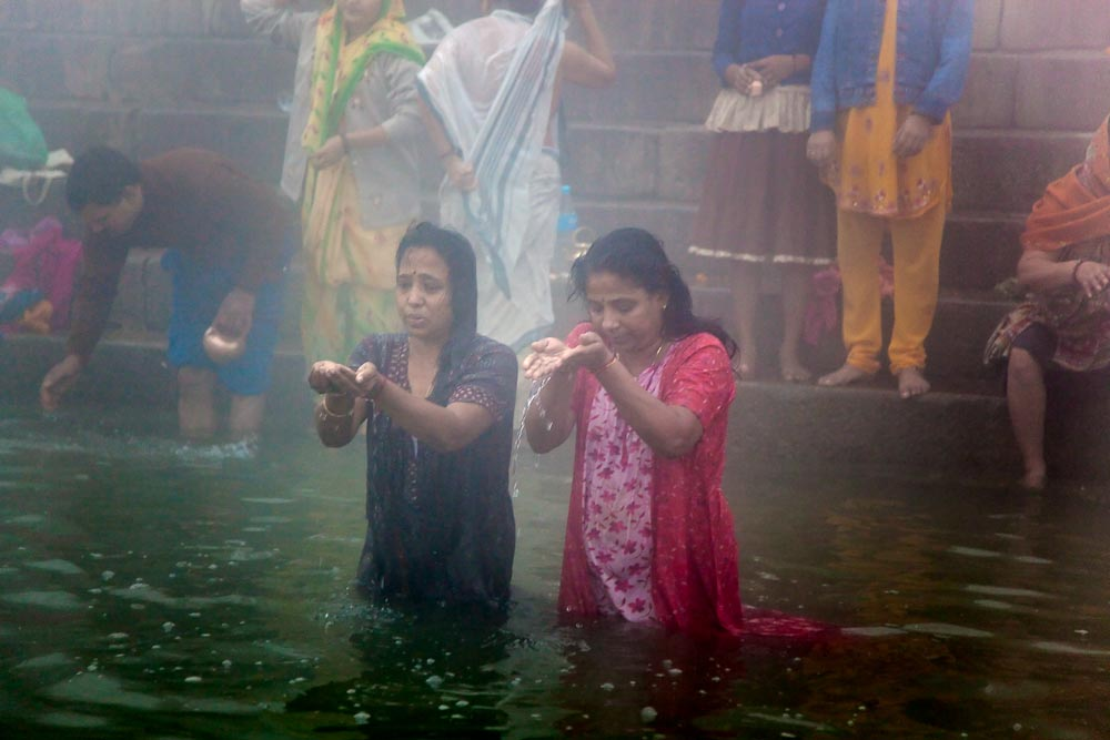 Morning ablutions on the Ganges