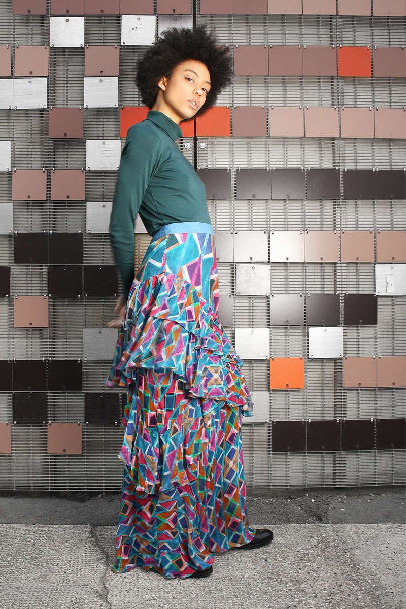 CA 91082 WAY TO DECIDE SKIRT_DP GROUP CA 444_SS 18