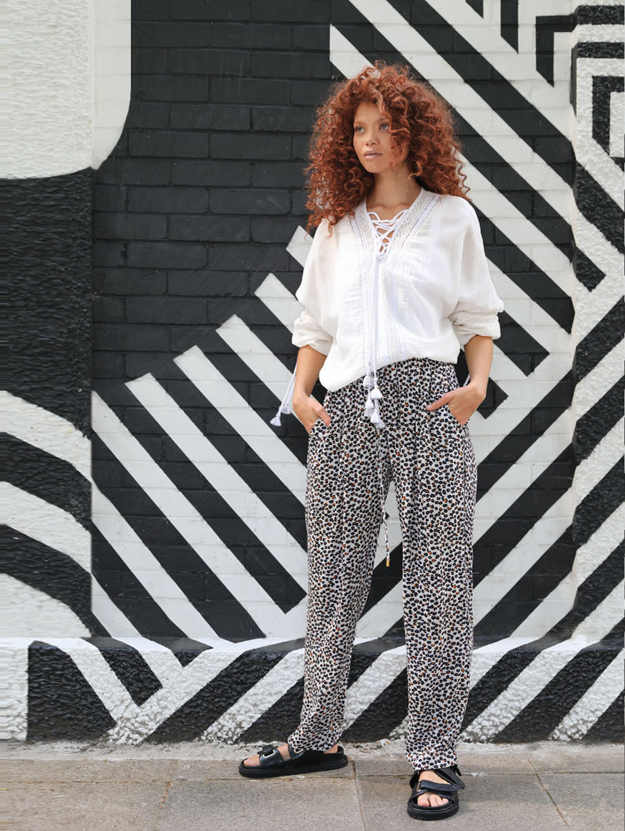 CA-35519--AAMRA-TOP-WHITE--CA-91512--HANSIGNE-TAPERED-TROUSERS--DP-CA-1115C