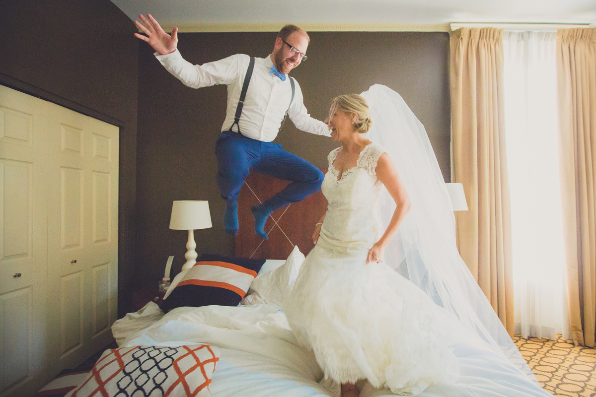mansion-delaware-buffalo-ny-wedding-photograpy-bed-jumping