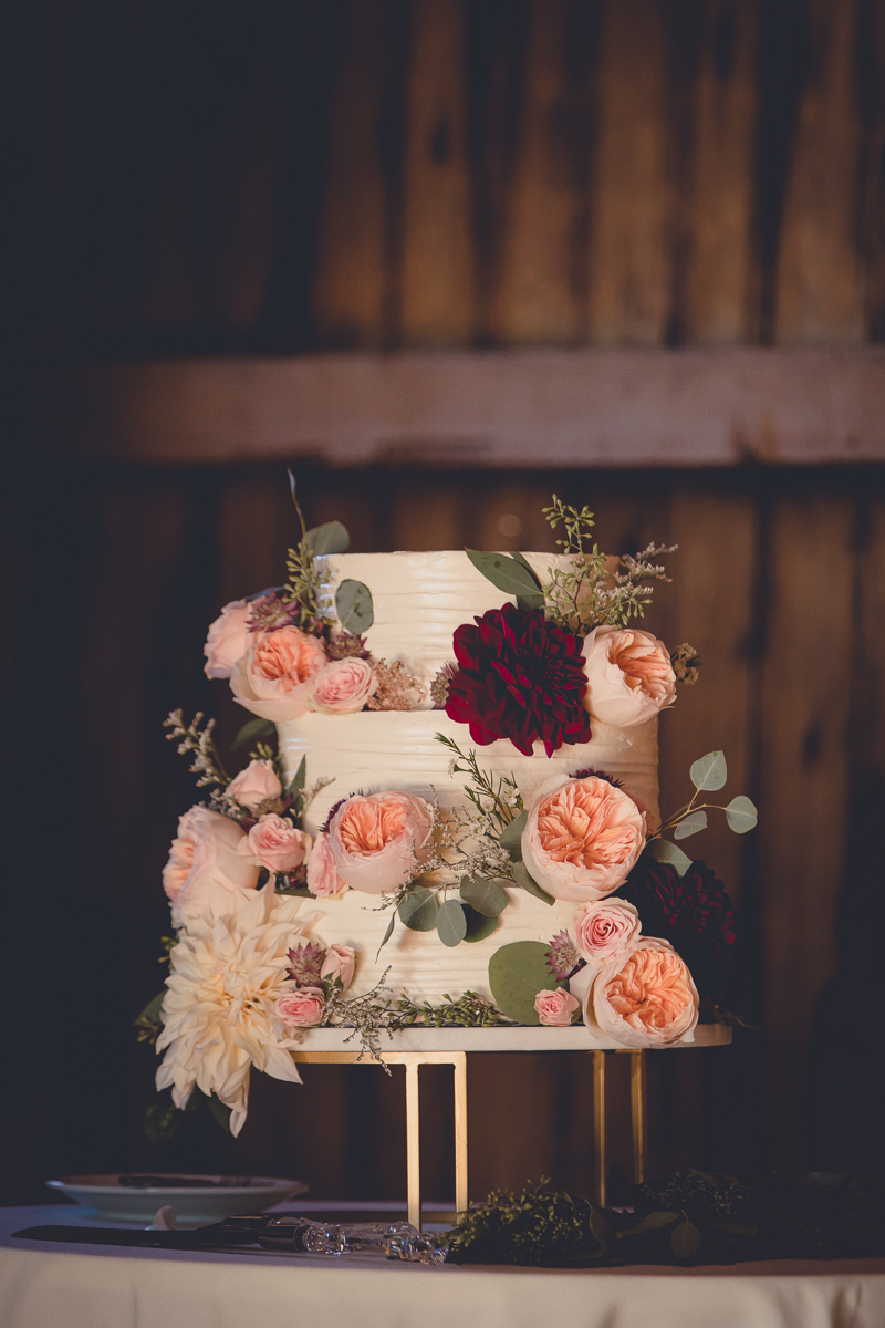 peonies-wedding-cake-ithaca-barn-muranda-photography-1