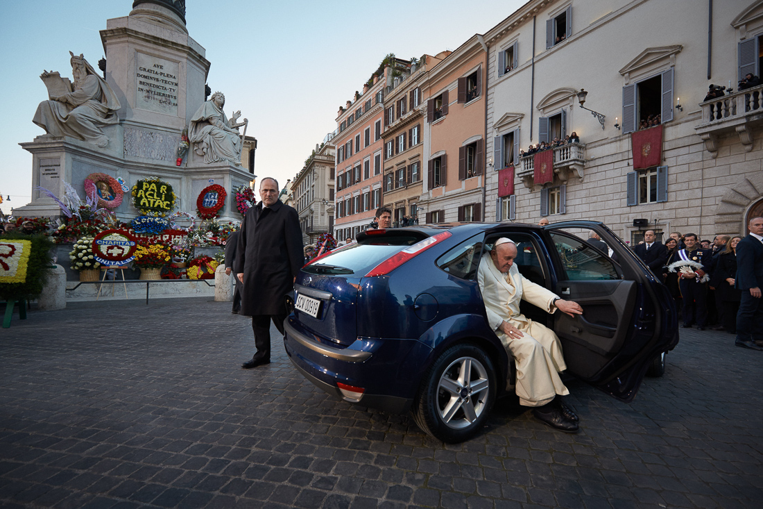 Pope Francis visits the Spanish Steps in Rome in a convoy of blue Ford Focus cars.