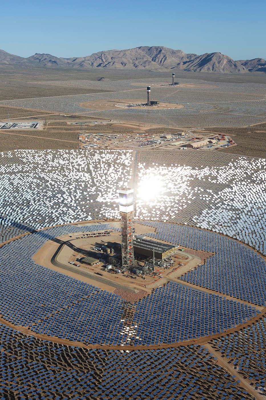Ivanpah Solar Plant, California.