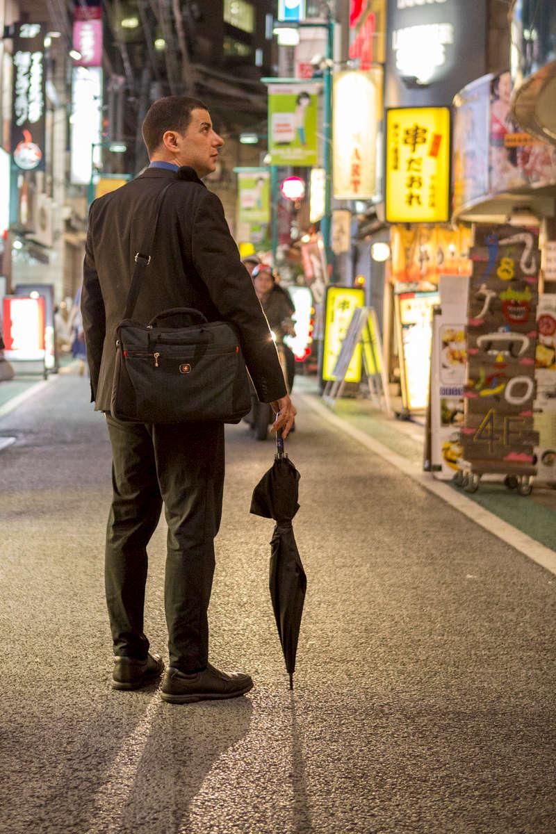 Jake Edelstein, writer, in Tokyo, for Le Journal du Dimanche.