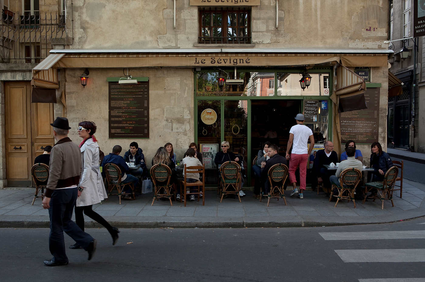 Hipsters cafe, Le Marais district, Paris.