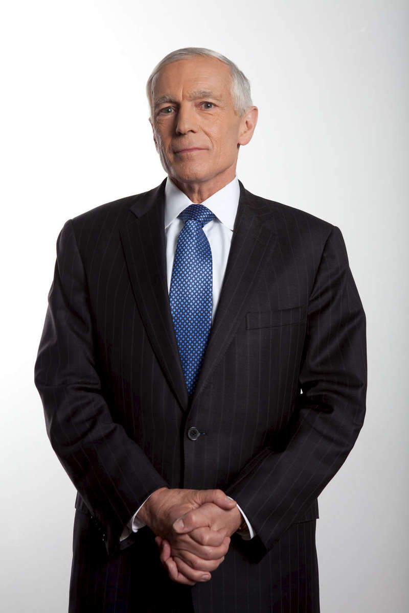General Wesley Clark, To The Edge of War, Discovery Channel, Phoenix.
