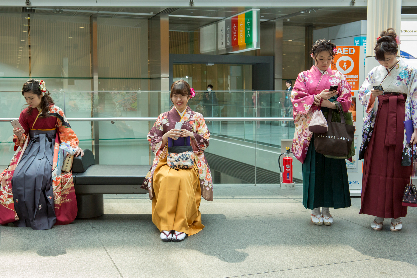 Graduates dressed in tradittional kimono.