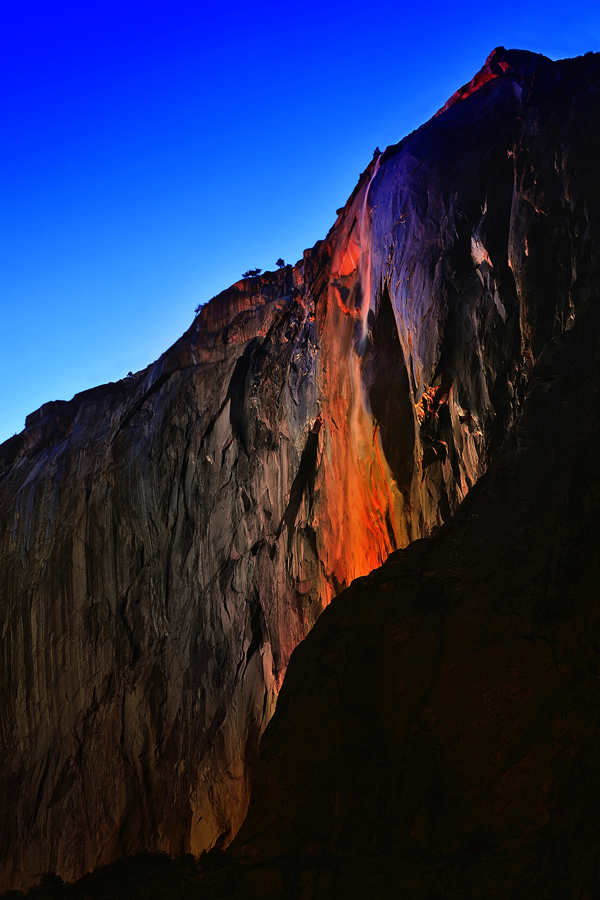 Horsetail-Falls-_4x6-300dpi_-Copyright-William-Roeser