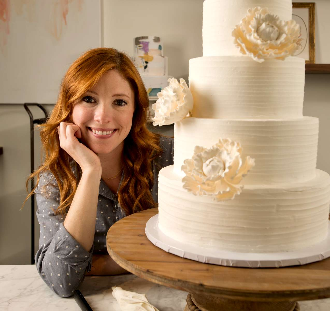 Kathryn Steed, owner of Lush Cakery. Her passion for baking started at a young age when she received her first easy bake oven. Over the years, her love for baking grew and she longed to one day have a career in cake design. After attending Kennesaw State University and earning a degree in marketing, she pursued a corporate job that left her wildly unfulfilled. She decided to follow her heart in pursuit of her confectionery dreams.