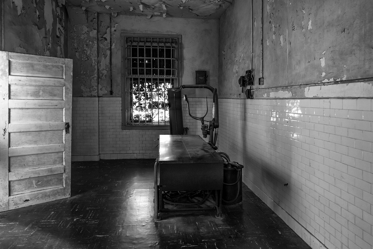Black and White Prison Images from Alcatraz, CaliforniaImage No: 16-003801-bw Click HERE to Add to Cart