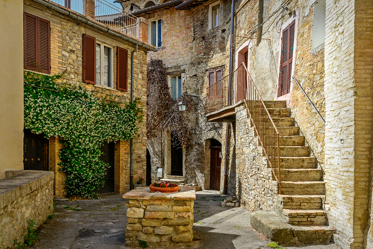 Umbria, ItalyImage no: 15-028714   Click HERE to Add to Cart