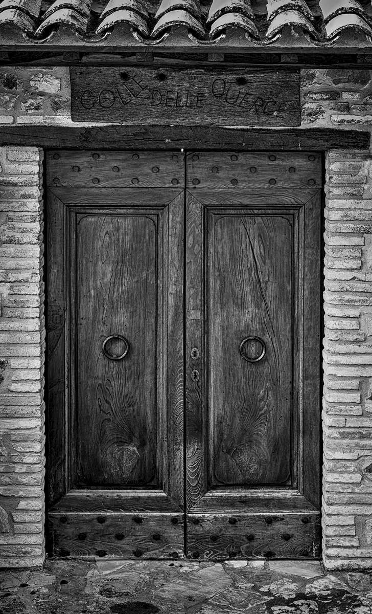 Umbria, ItalyImage no: 15-029144-bw   Click HERE to Add to Cart