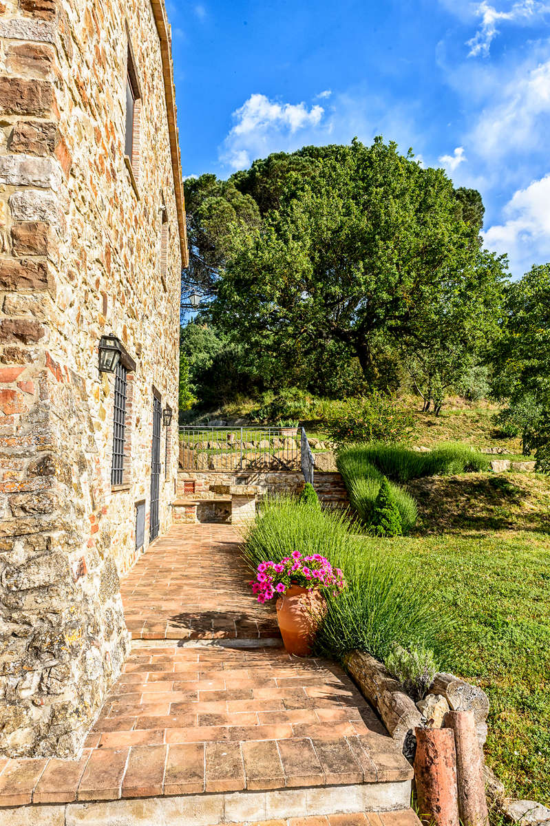 Umbria, ItalyImage no: 15-029167   Click HERE to add to cart