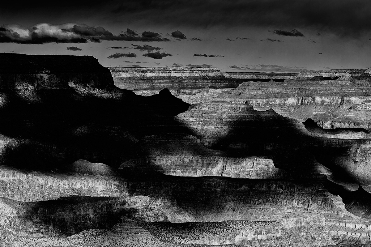 South RimSun and Clouds painting the maesasImage No: 13-002331.bw  Click HERE to add to Cart