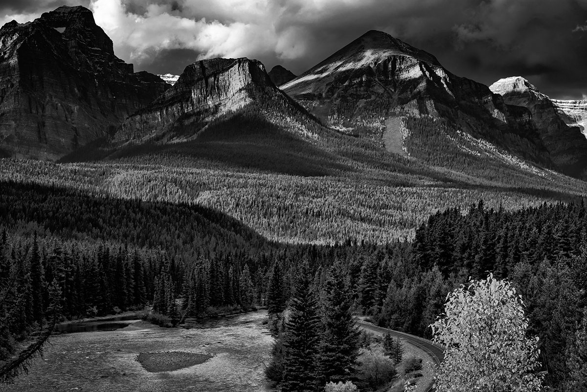 Lake Louise, AlbertaImage no: 16-383818-bw   Click HERE to Add to Cart